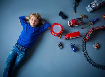 Како да правилно изаберете дечије играчке према узрасту малишана