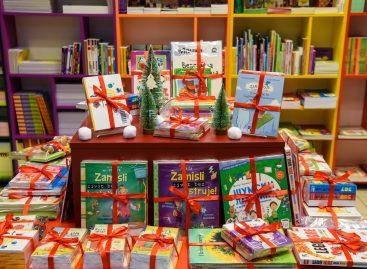 Мање слаткиша, а више књига нека нам донесе Деда Мраз