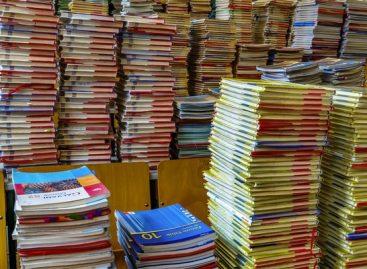 Одлука о избору стручних лица за припрему стручне оцене квалитета рукописа уџбеника