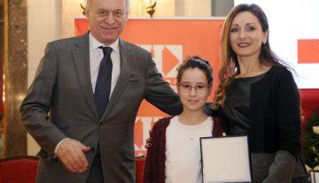 Учитељица из Крагујевца награђена плакетом за најплеменитији подвиг године